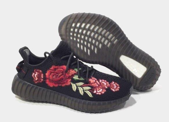 Фото Adidas Yeezy Boost 350 V2 by Kanye West черные - 2